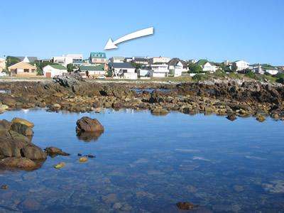 Position of house from Haarder Bay. - PERLEMOEN SELF CATERING HOLIDAY HOUSE AND COTTAGE - Hermanus - rentals
