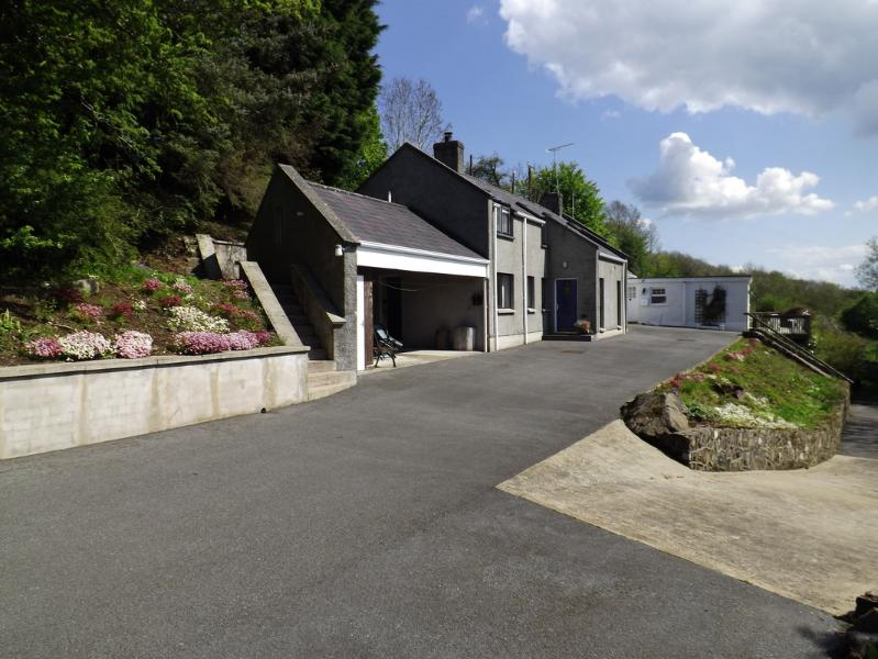 Bluebell Cottage - Image 1 - Moneymore - rentals