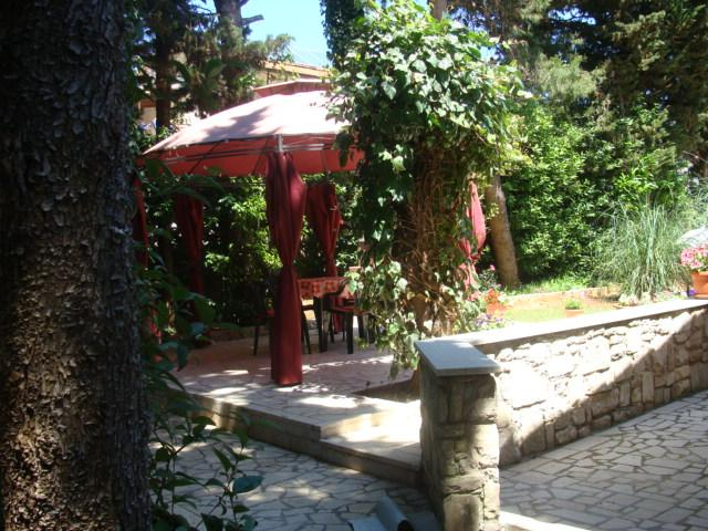 gazebo - Apartment in the house close to the beach - Medulin - rentals