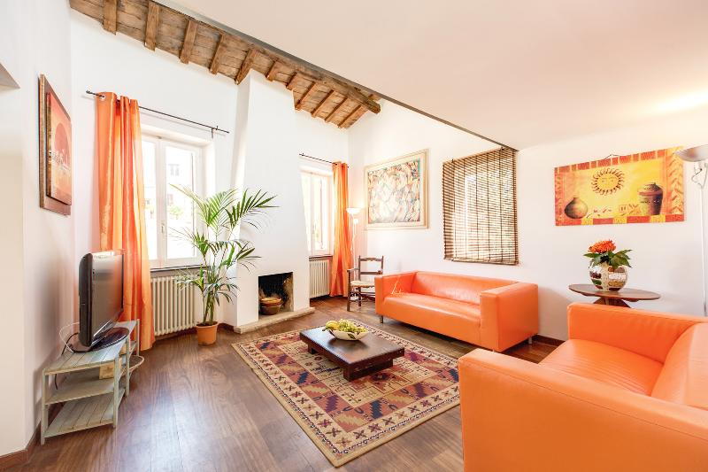 Colourful Ponte Sisto Penthouse - Image 1 - Rome - rentals