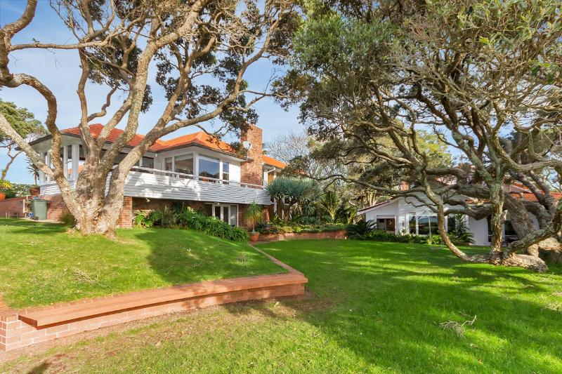 """Clifton  Seaside Cottage - Image 1 - Takapuna - rentals"