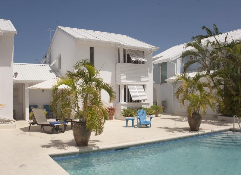 House and pool - Luxury townhouse just 5 minutes from the beach - Porters - rentals