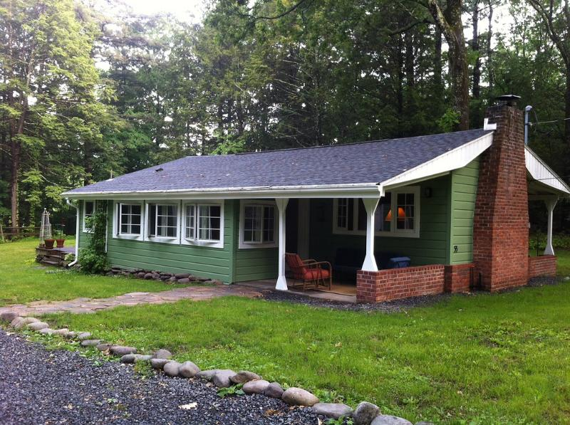 Green Cottage in the Summer - Green Cottage in the Catskill Mountains - Palenville - rentals