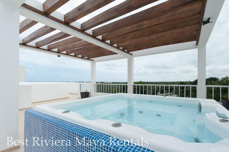 Jacuzzi for  you to use during the stay - Large new condo, secure great stay Akumal - Akumal - rentals
