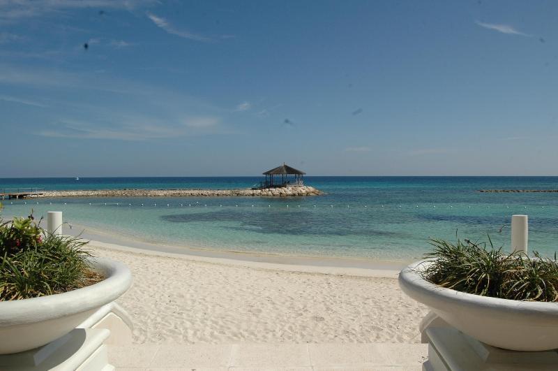 The Palmyra Beach - Luxury 2 BdRm Beachfront Condo in Jamaica - Rose Hall - rentals