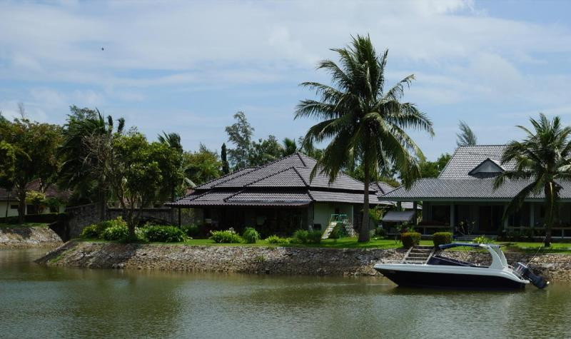 The house from the canal - 3 bedroom Villa by the sea in close Mae Phim - Klaeng - rentals