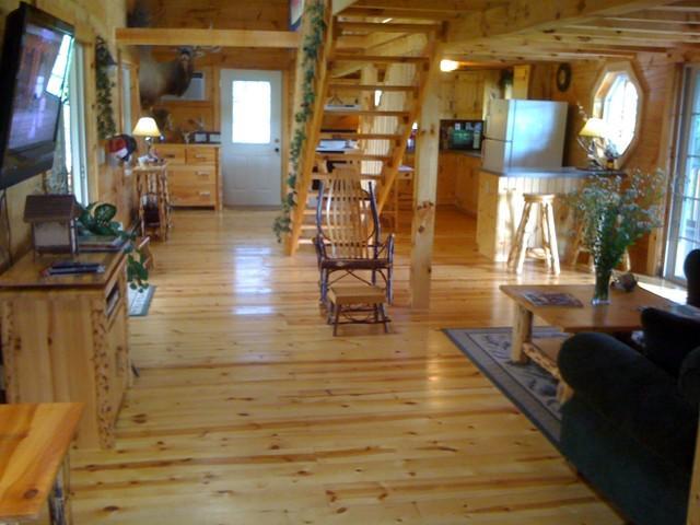 living room - Sunset Ridge Log Cabin Overlooking Pond - Marquette - rentals