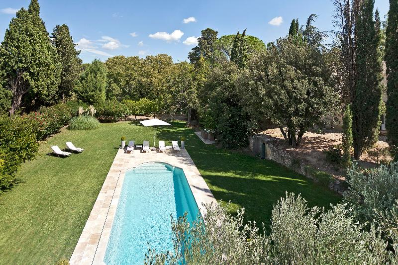Amazing Saint Remy Vacation Rental with a Pool - Image 1 - Saint-Remy-de-Provence - rentals