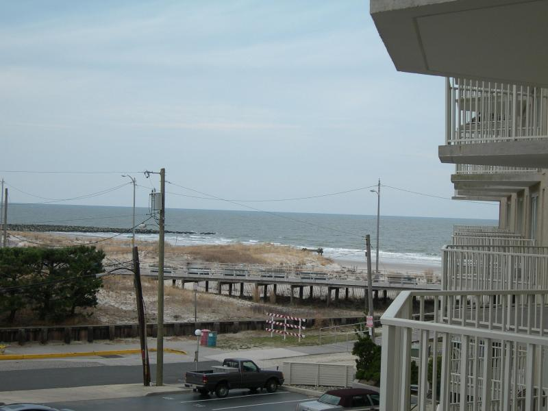 Gardens Plaza, Unit 302 - Image 1 - Ocean City - rentals