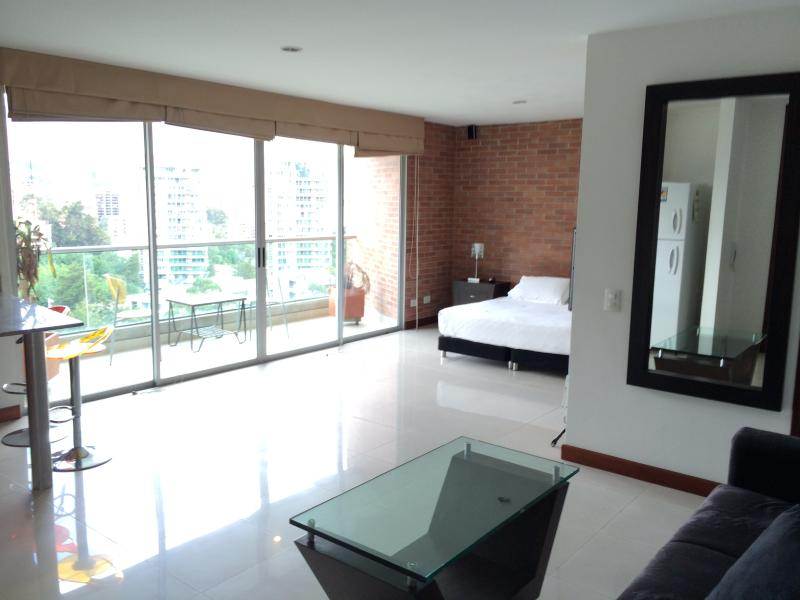 Blux 1205 1b/2ba Pool Views, Park, WALK Everywhere - Image 1 - Medellin - rentals