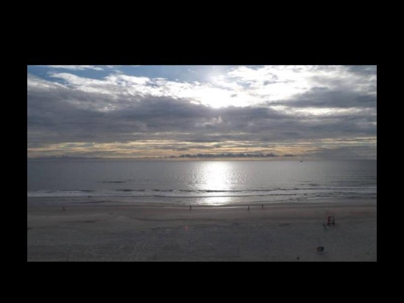 sunset seen from bedroom window and Balcony - Daytona beach view eff - Daytona Beach - rentals