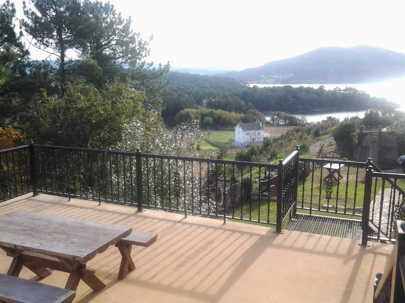Sun terrace on 1st floor - stunning views, sunshine all day - Puerto de Compostela  - Barn conversion apartment - Uhia - rentals