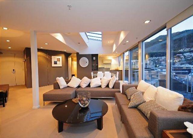 Shotover Queenstown Heart Penthouse 402 - Image 1 - Queenstown - rentals