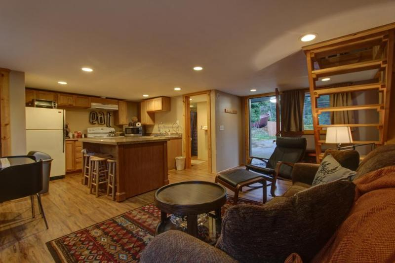 The Pacific Trail Apartment #16 - Image 1 - Brightwood - rentals