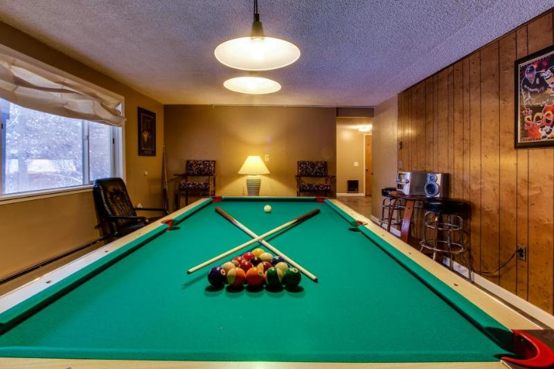 Lakeview home with pool table & boat slip - Dogs welcome! - Image 1 - Harrison - rentals