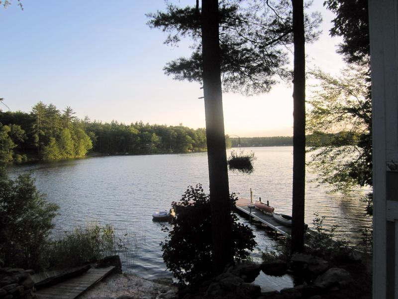 $1650-Gorgeous 2 Bed Home, Private Lake Front - Image 1 - Lee - rentals