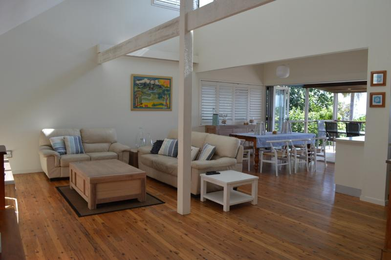 Broadleys Pet Friendly Beach House - Image 1 - Point Lookout - rentals