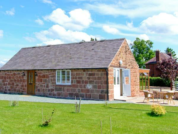BYRE COTTAGE, detached, stone-built barn conversion, single-storey, sun room, gardens, walks, in Nesscliffe, Ref 906694 - Image 1 - Nesscliffe - rentals