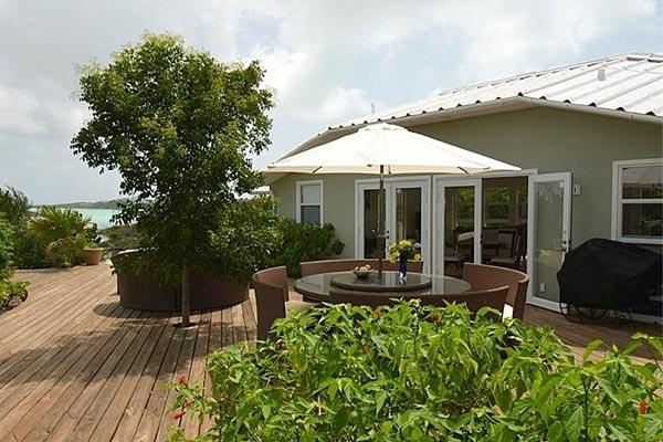Located directly on Chalk Sound, this villa is a 1-minute walk to Sapodilla Bay Beach. IE SRV - Image 1 - Ocean Point - rentals