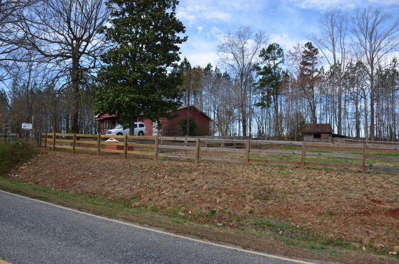 View from the street - Tally Ho Cottage - Landrum - rentals