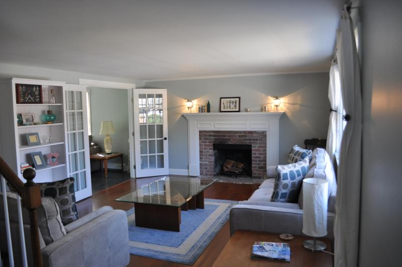 Relaxing Living Room - Beautiful Cape House in Hyannis - Hyannis - rentals