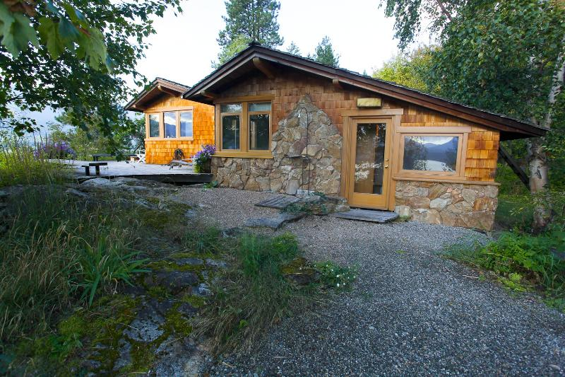 East facing view - KOOTENAY LAKE SANCTUARY - Nelson - rentals