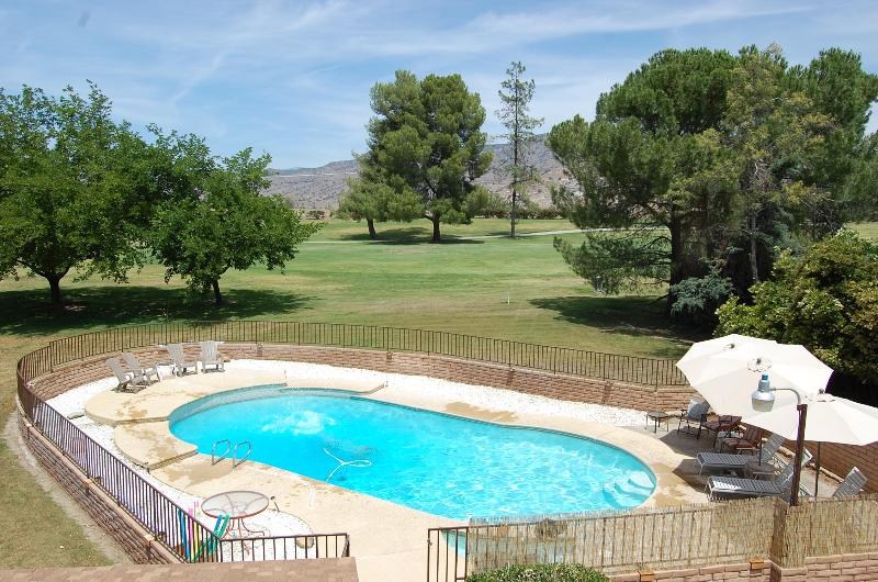 Private pool with locking fence and amazing mountain views - River Island Rancho On The Golf Course - Springville - rentals