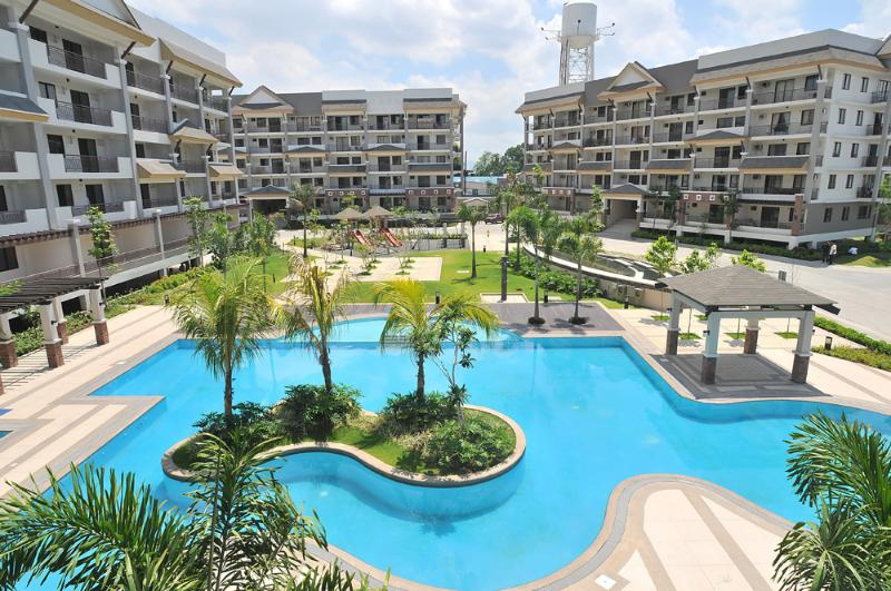 Riverfront Swimming Pool - Luxurious 2 Bedroom Furnished Unit Near Ortigas - Pasig - rentals