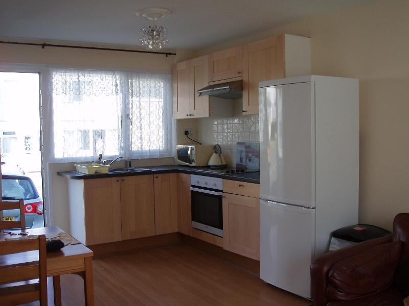 Self Contained Kitchen/Dining Area - FRESHWATER EAST, PEMBROKE, CHALETS TO RENT, 302 - Freshwater East - rentals