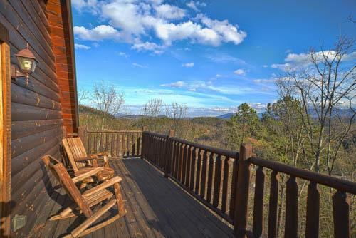 View from top deck - Amazing Views & 5 Miles from Dollywood & Parkway! - Sevierville - rentals