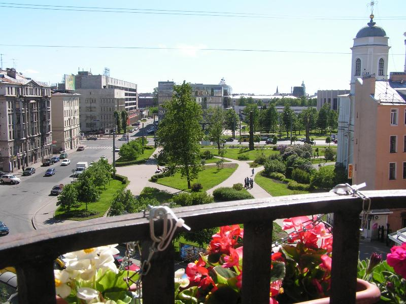 Panoramic view from balcony. - Comfortable 4 room apartment. - Saint Petersburg - rentals