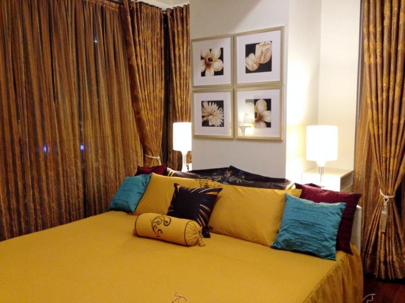 Elegant & Cozy Bedroom  - Classy Contemporary 1 Bedroom Suite at the Fort - Taguig City - rentals