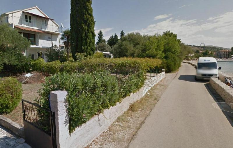 street view - Beautiful house first row by the pebble beach! - Zaboric - rentals