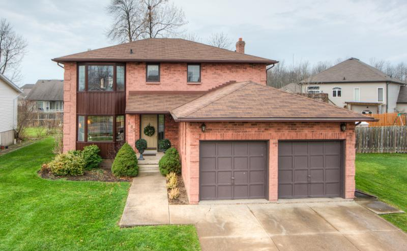 Lovely Executive Home - 20 Mins to Niagara Falls! - Image 1 - Fort Erie - rentals