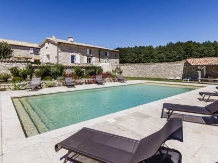 3 Bedroom Provence Rental with a Pool, Aubignane Le Mas des Oliviers - Image 1 - Banon - rentals