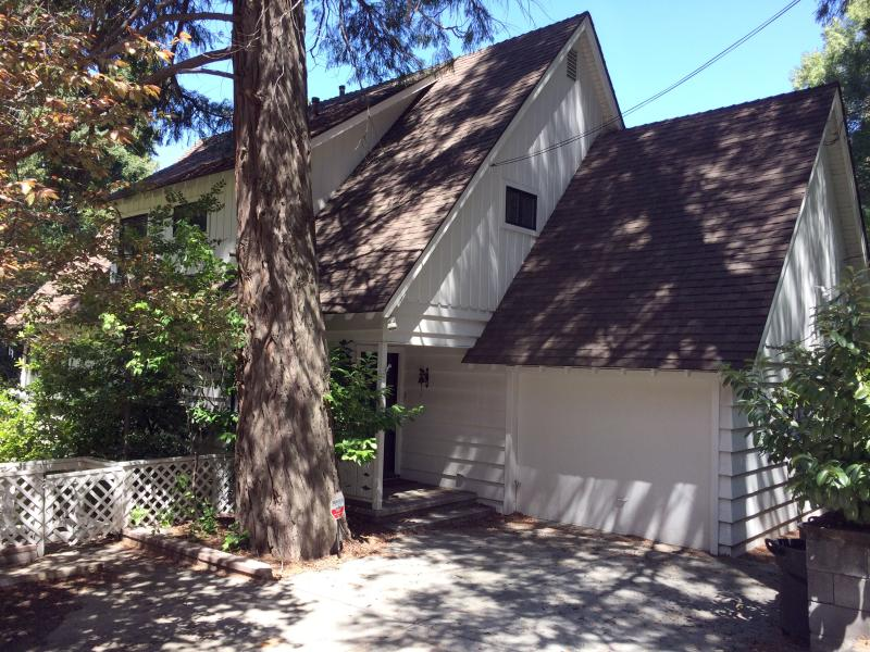Exterior of home with two parking spaces. - Lakefront Lake Arrowhead Home With Hot Tub & Dock - Lake Arrowhead - rentals