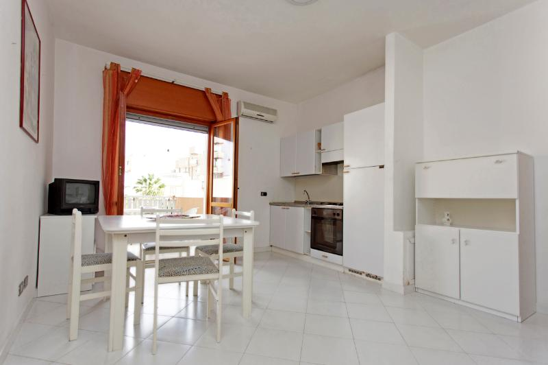 Living and veranda - A Terrace in the Sun - Apartment - Trapani - rentals