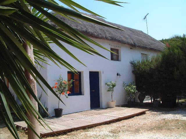 Entrance  and parking of El Cortijo - El Cortijo . Spacious Rustic Casa Rural/Playa - Vejer - rentals