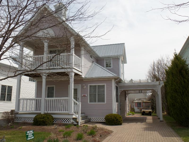 Front of home with gorgeous double balcony - Private Beach House - Book now for Summer! - Crystal Beach - rentals