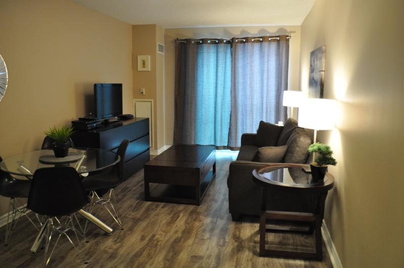Downtown 1 Bedroom with Parking - Image 1 - Toronto - rentals