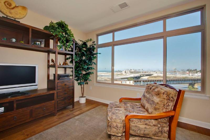 Ocean Harbor~Stunning Views, Gorgeous 2 BR condo! - Image 1 - Oceanside - rentals