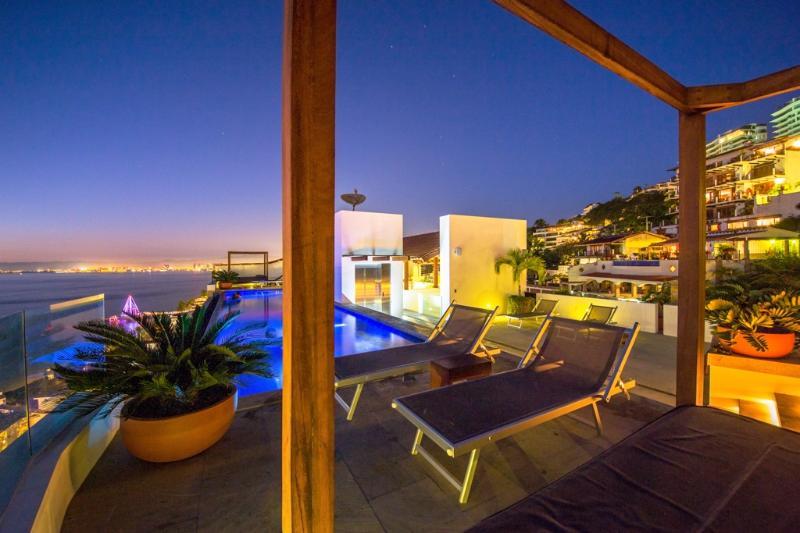 NEW-Ocean Front condo-Romantic-zone-Amapas 353 - Image 1 - Puerto Vallarta - rentals