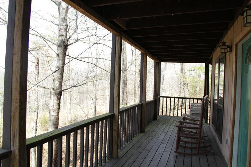 Chalet 1st Fl ~Rustic, Affordable, Family Friendly - Image 1 - Dandridge - rentals