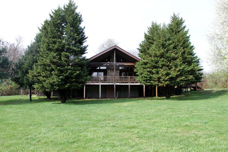 Rustic, country comfort for gatherings - Large Groups, Youth, Rustic Log cabin lodge - Dandridge - rentals