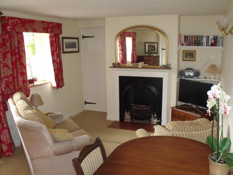 Beach Cottage, Holme next the Sea - Image 1 - Hunstanton - rentals