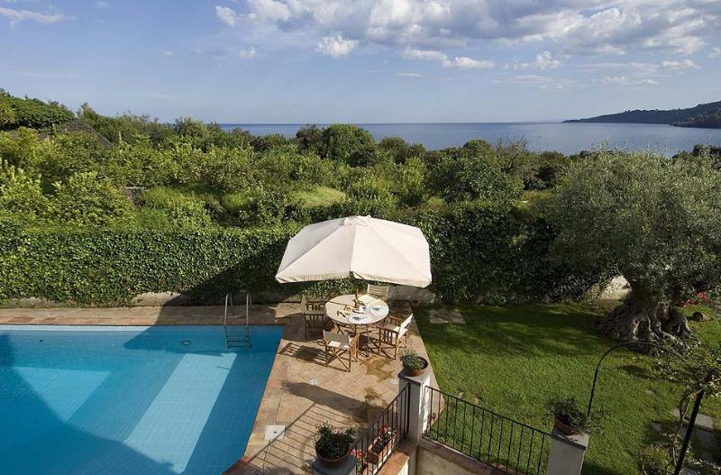 Villa Tecla Villa to let in Sicily, self catered rental Sicily, villa near Taormina Italy, 3 bedroom villa near Taormina - Image 1 - Santa Tecla di Acireale - rentals