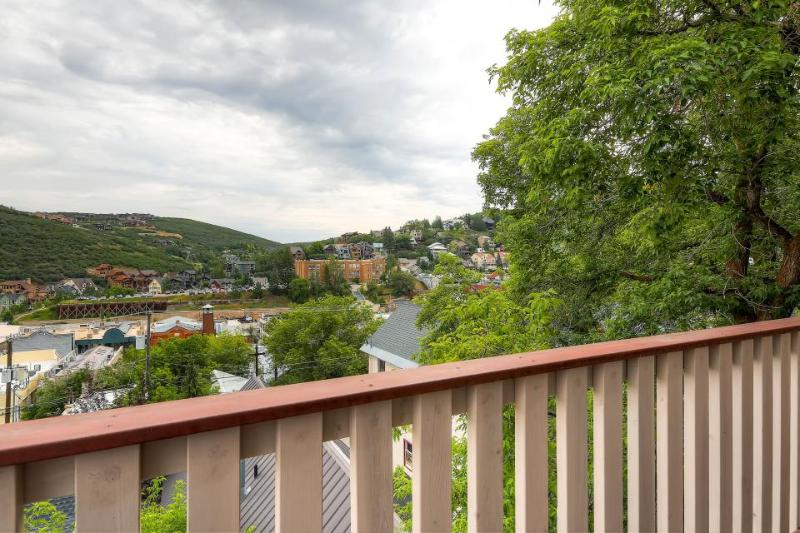 Condo with shared hot tub; walk to Park City Resort and the ski lifts! - Image 1 - Park City - rentals