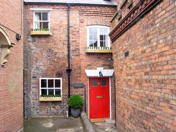OLD SORTING OFFICE, Sky Sports, hot tub, character features, WiFi, pet-friendly, in Hawarden, Ref. 29375 - Image 1 - Hawarden - rentals