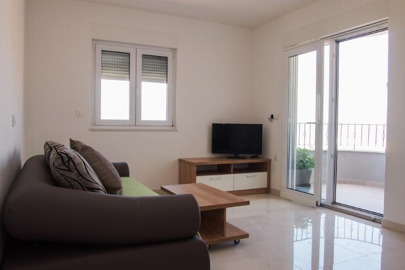 Apartment Pivac with sea view 4+1 - Image 1 - Makarska - rentals