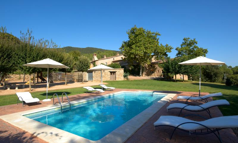 Idyllic apartment with pool and views near Girona - Image 1 - Cartella - rentals